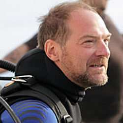 shark week les stroud